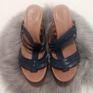 UGG | Mattie Blue Strap Wedge Sandals - Size 6.5